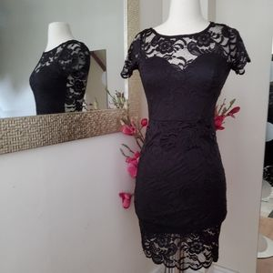 Dresses & Skirts - Beautiful black lace dress